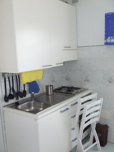 Soggiorno con angolo cottura piccolo cucina a vista 8 - Soggiorno e angolo cottura ...